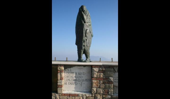 Conche-Monumento agli alpini