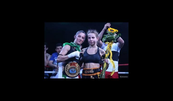 Barbara Bontempi e  Gabbie Naughton 4° International Fighters