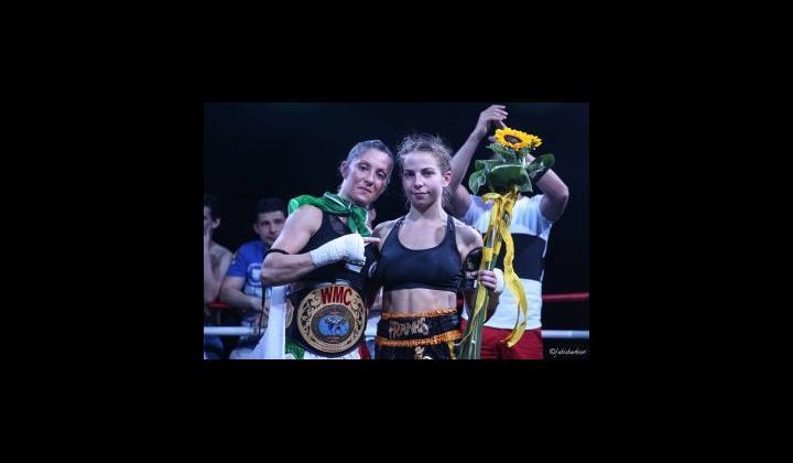 Barbara Bontempi e  Gabbie Naughton 4° International Fighters