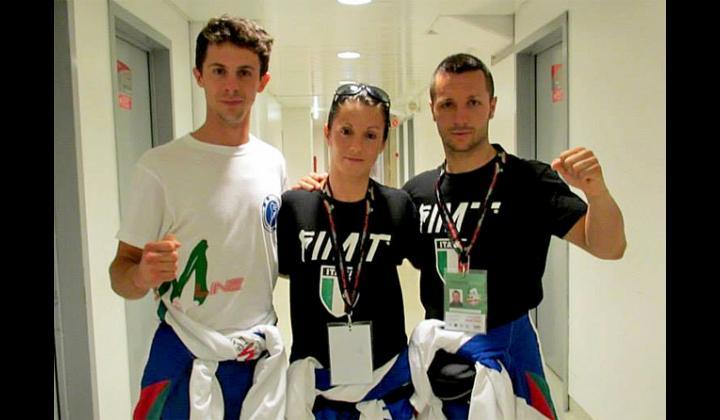 Barbara Bontempi e Gianluca Faccoli con il Coach Jacopo Maggiori dell'A.S.D. International Fighters Gym di Nave parteciperanno ai Campionati Mondiali di Muay Thai in Malesia come rappresentanti della Nazionale Italiana