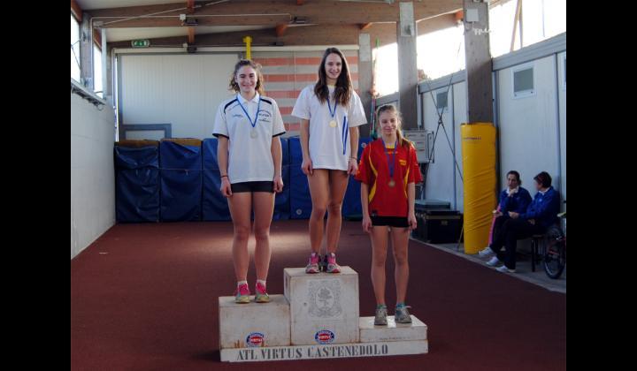 CAMPIONATI PROVINCIALI INDOOR - Categoria cadette. 2 atlete dell'Audaces Nave sul podio: 1^ Licia Degiacomi e 3^ Elena Carraro