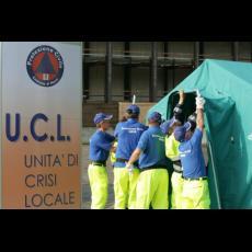 Fase iniziale di allestimento tenda Unità Crisi Locale